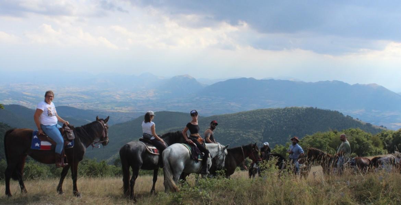 A cavallo nelle terre di Giacomo Leopardi: percorso Leopardiano - esperienza di mezza giornata